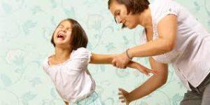 衝動的に子供を叱る親は発達障害かも