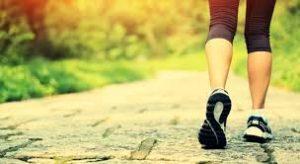 ダイエットや認知症予防にウォーキングのススメ
