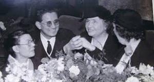 世界歴訪し社会福祉活動を続けたヘレンケラー