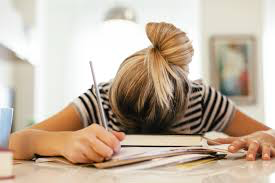日中の強い眠気「過眠症」 (ナルコレプシー) の原因・症状・治療法